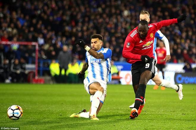 Mourinho nuốt lời vụ Pogba, Lukaku nổ súng đưa Man United trở lại - Ảnh 18.