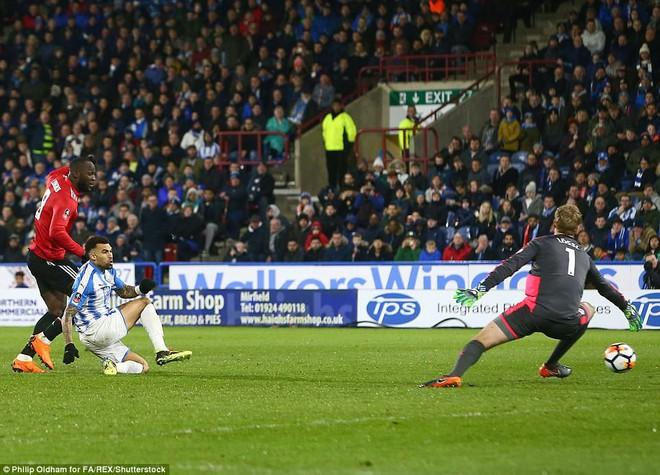 Mourinho nuốt lời vụ Pogba, Lukaku nổ súng đưa Man United trở lại - Ảnh 21.