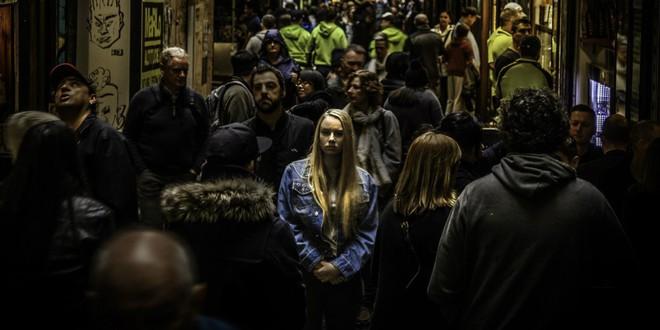 Người Canada: Khi nỗi cô đơn trở thành món đặc sản đầy nguy hiểm - Ảnh 1.