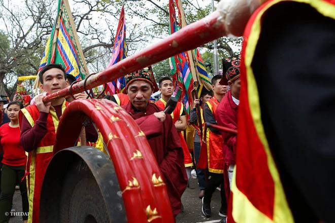 Pháo dài 6m được rước suốt 2 tiếng tại lễ hội Đồng - Ảnh 1.