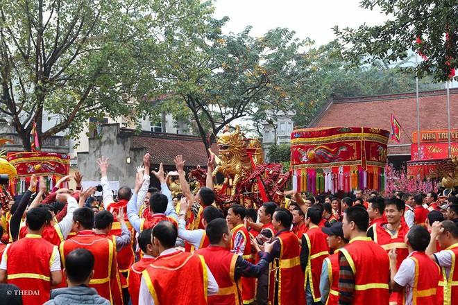 Pháo dài 6m được rước suốt 2 tiếng tại lễ hội Đồng - Ảnh 4.