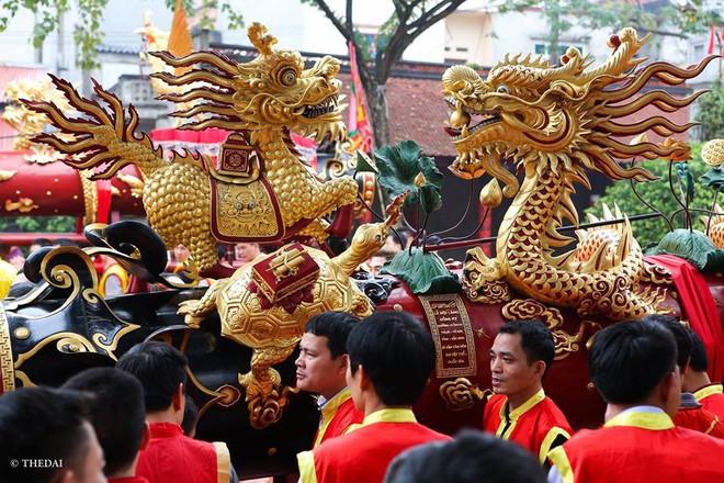 Pháo dài 6m được rước suốt 2 tiếng tại lễ hội Đồng - Ảnh 5.