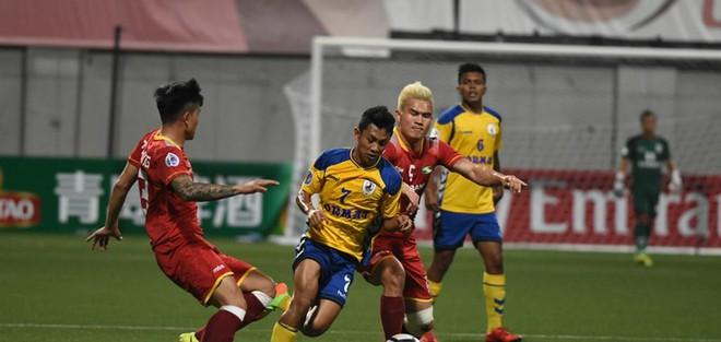 SL Nghệ An gặp đối thủ rắn mặt và… giàu có của Malaysia - Ảnh 4.