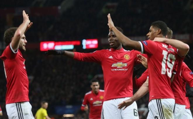 """[MU sẽ vô địch Champions League] Ơn giời, Mourinho đã thấy """"phao cứu sinh""""!.,"""