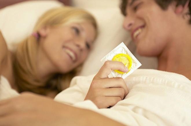 Cảnh báo nguy hiểm từ tư thế quan hệ tình dục không ít phụ nữ yêu thích - Ảnh 2.