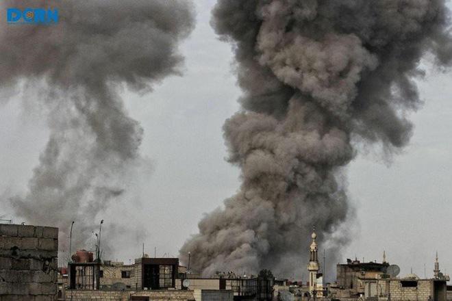 Nga-Syria mừng tuổi phiến quân bằng tất cả các loại hỏa lực ở đông Damascus: Chưa từng có - Ảnh 9.