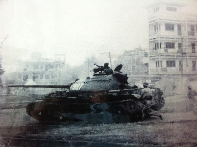 Bữa tất niên không thể nào quên bên bờ sông Sê rê pốc của lính xe tăng: Con ba ba khổng lồ - Ảnh 1.