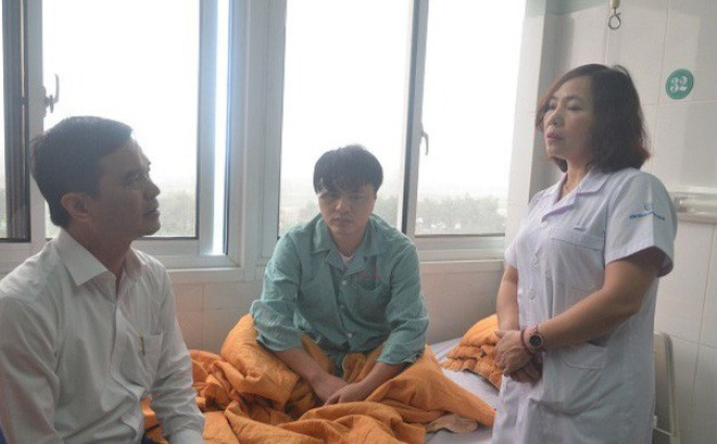 Công an truy tìm toàn quốc đối tượng đánh trọng thương hai bác sĩ đỡ đẻ cho vợ mình