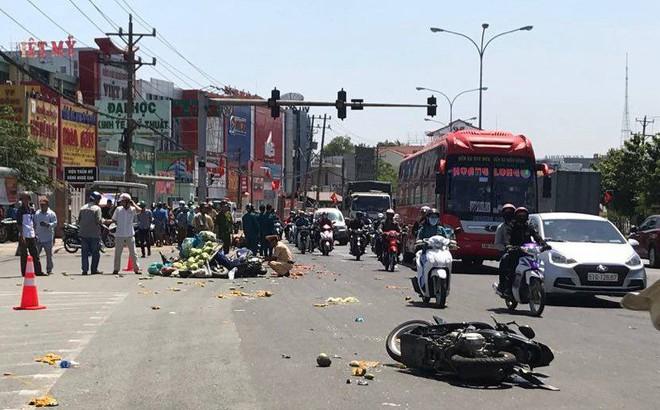 Nhân chứng vụ ô tô vượt đèn đỏ gây tai nạn hàng loạt: Cảnh tượng rất khủng khiếp