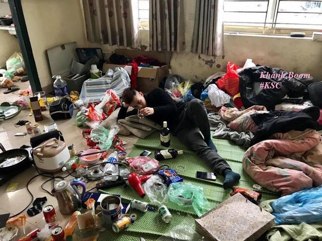 Những căn phòng lộn xộn, ở bẩn đến nỗi khó tìm một chỗ đặt chân tử tế! - ảnh 1