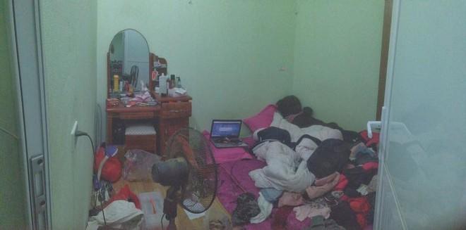 Những căn phòng lộn xộn, ở bẩn đến nỗi khó tìm một chỗ đặt chân tử tế! - ảnh 2