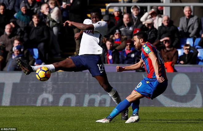 Harry Kane kết thúc tháng huy hoàng bằng cú đánh đầu đem Tottenham trở lại - Ảnh 2.