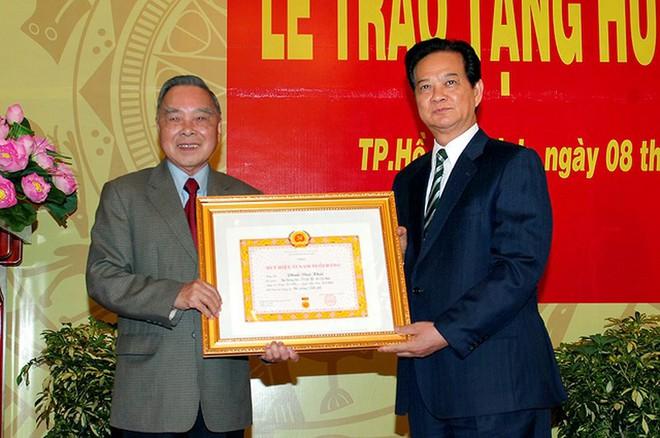 GS Thuyết: Đàng hoàng, bản lĩnh là ấn tượng của tôi về nguyên Thủ tướng Phan Văn Khải - Ảnh 1.