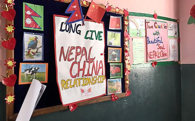 """Nương nhờ TQ để tránh Ấn Độ, Nepal sắp nối gót Sri Lanka rơi vào """"bẫy nợ""""?"""