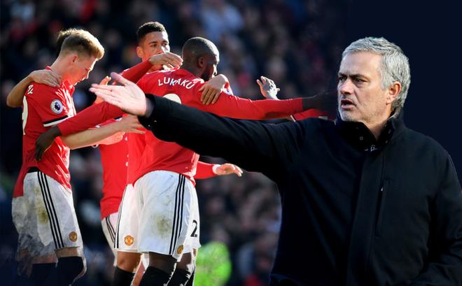 Sao trẻ tỏa sáng, trung phong phá dớp: Đây, Mourinho đích thực là Người đặc biệt!