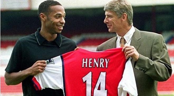 Henry muốn 'tiếm ghế' ông thầy Wenger - Ảnh 1.