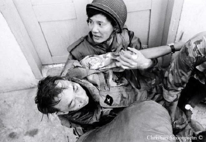 Số phận sát nhân Nguyễn Ngọc Loan ra sao sau khi hành quyết chiến sỹ biệt động trên phố Sài Gòn? - Ảnh 2.