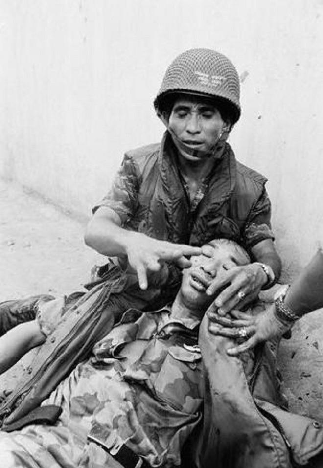 Số phận sát nhân Nguyễn Ngọc Loan ra sao sau khi hành quyết chiến sỹ biệt động trên phố Sài Gòn? - Ảnh 3.