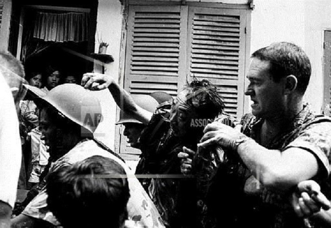 Số phận sát nhân Nguyễn Ngọc Loan ra sao sau khi hành quyết chiến sỹ biệt động trên phố Sài Gòn? - Ảnh 4.