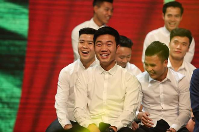 Hình ảnh hồi bé của cầu thủ U23 khiến HLV Park Hang-seo đau đầu trên sân khấu giao lưu - Ảnh 13.