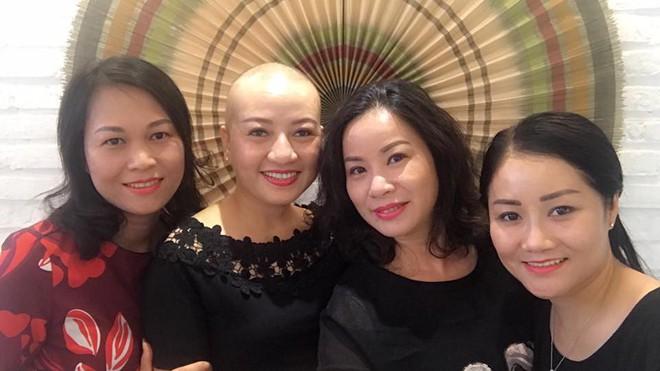 Người phụ nữ ung thư có nụ cười sáng bừng sức sống: Bí quyết không run sợ, không kiệt sức - Ảnh 3.