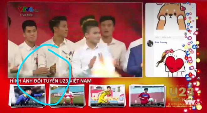 Những khoảnh khắc ngoài sân cỏ giữa các cầu thủ U23 Việt Nam khiến CĐV ghép đôi nhiệt tình - Ảnh 9.