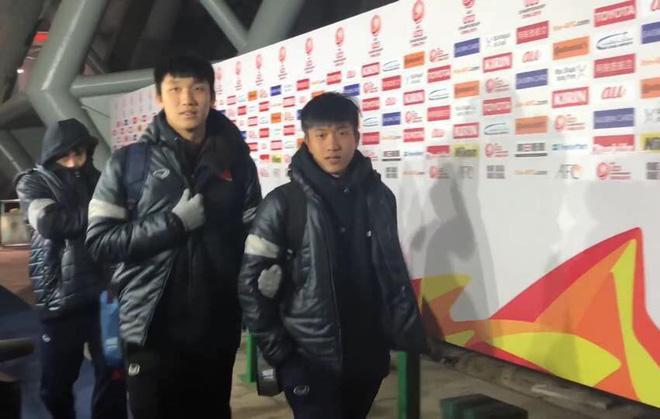 Những khoảnh khắc ngoài sân cỏ giữa các cầu thủ U23 Việt Nam khiến CĐV ghép đôi nhiệt tình - Ảnh 15.
