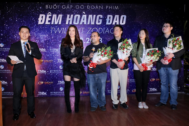 Trương Ngọc Ánh khoe vẻ nóng bỏng bên mỹ nam phim hành động châu Á - Ảnh 13.
