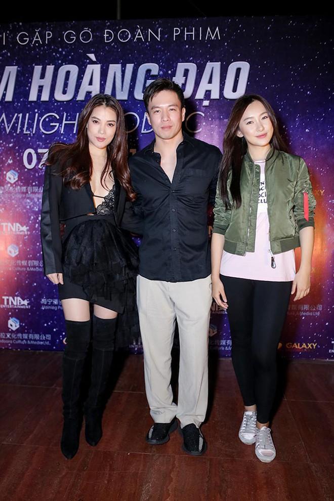 Trương Ngọc Ánh khoe vẻ nóng bỏng bên mỹ nam phim hành động châu Á - Ảnh 10.
