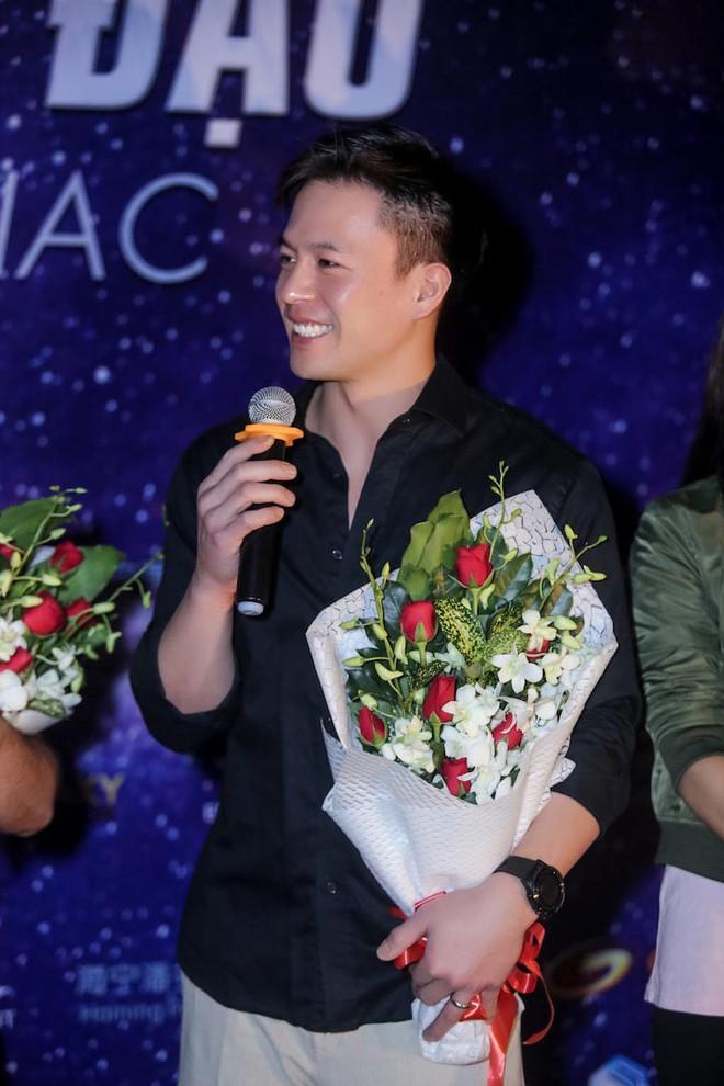 Trương Ngọc Ánh khoe vẻ nóng bỏng bên mỹ nam phim hành động châu Á - Ảnh 7.