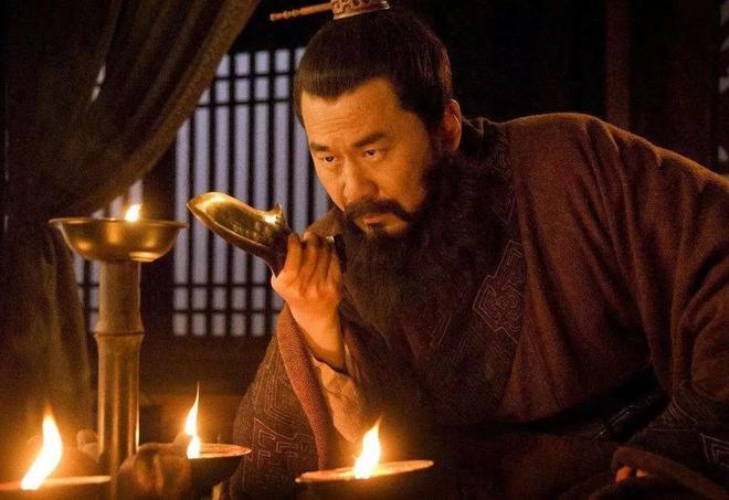 Giữa Tào Tháo, Lưu Bị và Tôn Vũ, nếu chọn, bạn sẽ theo ai? - Ảnh 1.