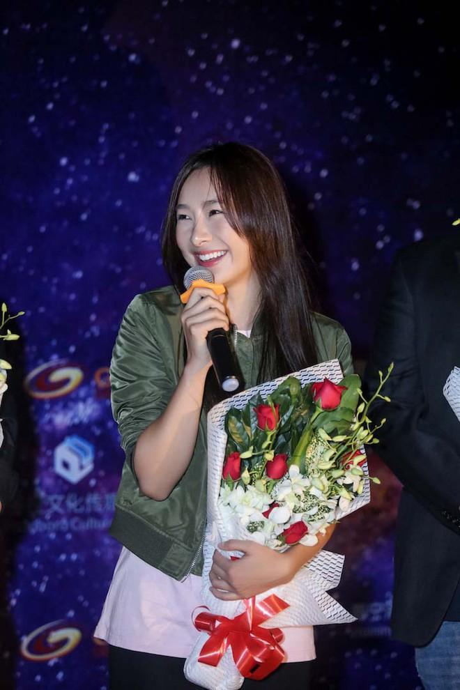 Trương Ngọc Ánh khoe vẻ nóng bỏng bên mỹ nam phim hành động châu Á - Ảnh 9.