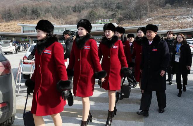 Cận cảnh nhan sắc 229 mỹ nữ thuộc đội quân sắc đẹp Triều Tiên vừa đổ bộ Hàn Quốc - Ảnh 5.