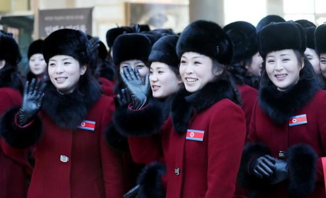 Cận cảnh nhan sắc 229 mỹ nữ thuộc đội quân sắc đẹp Triều Tiên vừa đổ bộ Hàn Quốc - Ảnh 6.