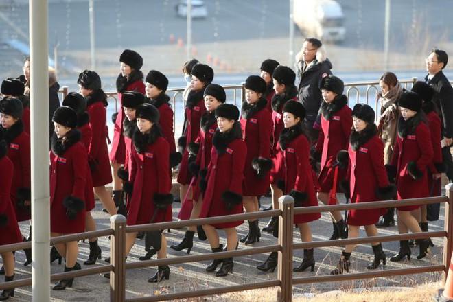Cận cảnh nhan sắc 229 mỹ nữ thuộc đội quân sắc đẹp Triều Tiên vừa đổ bộ Hàn Quốc - Ảnh 7.