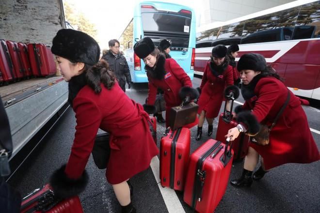 Cận cảnh nhan sắc 229 mỹ nữ thuộc đội quân sắc đẹp Triều Tiên vừa đổ bộ Hàn Quốc - Ảnh 10.