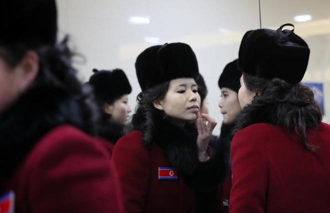 Cận cảnh nhan sắc 229 mỹ nữ thuộc đội quân sắc đẹp Triều Tiên vừa đổ bộ Hàn Quốc - Ảnh 11.