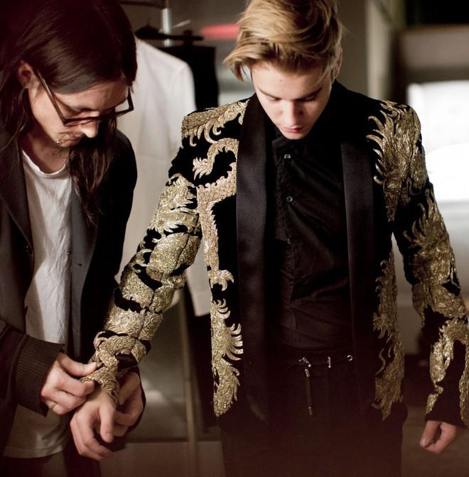 Hành trình lao dốc nhan sắc của Justin Bieber: Hoàng tử Baby năm xưa giờ đây mặt mũi xám xịt, mụn nổi chi chít - Ảnh 8.