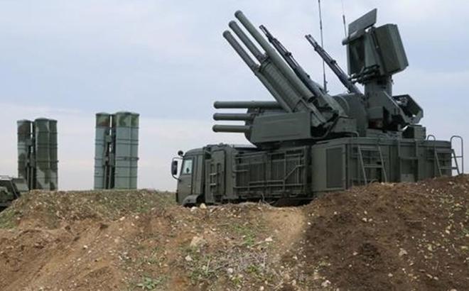 Nghi vấn Israel phối hợp với khủng bố đồng loạt tung hỏa lực vào Syria