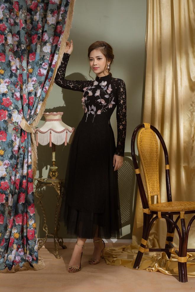 Vẻ đẹp nữ tính của Dương Hoàng Yến khi diện áo dài cách tân - Ảnh 2.