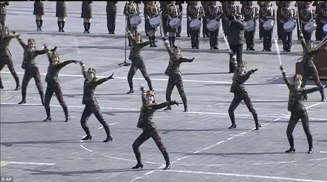 Vì sao lễ diễu binh năm nay của Triều Tiên quy mô nhỏ và 'thầm lặng' hơn? 5