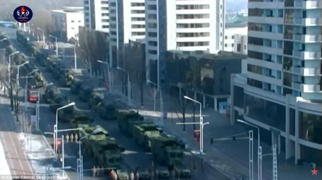 Vì sao lễ diễu binh năm nay của Triều Tiên quy mô nhỏ và 'thầm lặng' hơn? 7