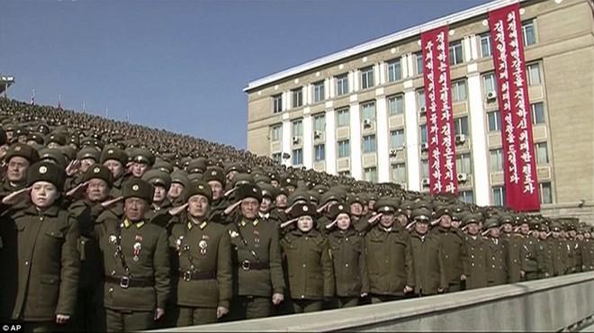 Vì sao lễ diễu binh năm nay của Triều Tiên quy mô nhỏ và 'thầm lặng' hơn? 8