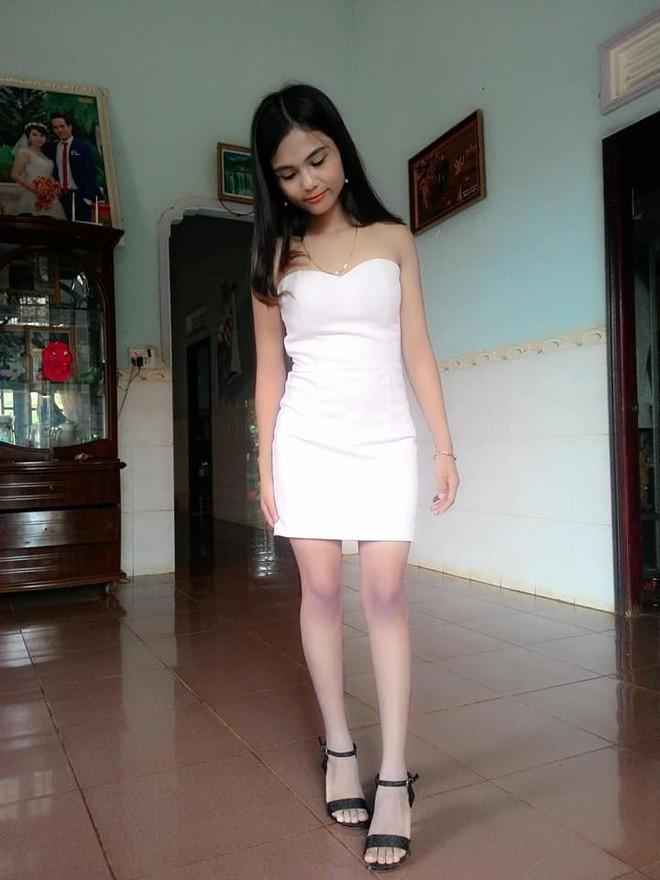 Để tóc dài và nữ tính, nhan sắc em gái hoa hậu HHen Niê gây chú ý - Ảnh 3.