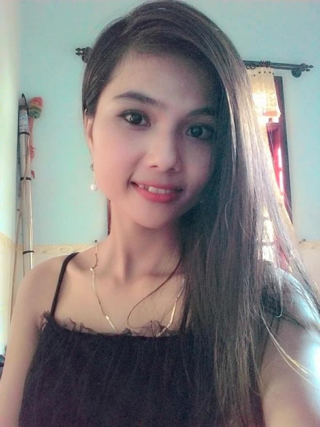 Để tóc dài và nữ tính, nhan sắc em gái hoa hậu HHen Niê gây chú ý - Ảnh 7.