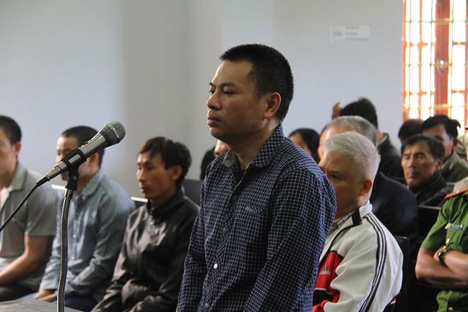 Vụ bắn 3 người chết, 13 bị thương ở Đắk Nông: Người dân gây hỗn loạn khi tòa tuyên án - Ảnh 1.