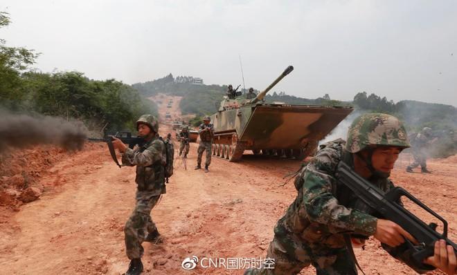 Nguy hiểm đơn vị đổ bộ đường biển của... Lục quân Trung Quốc - Ảnh 1.