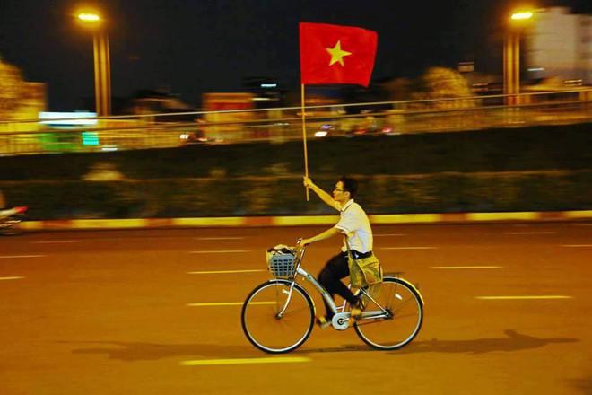 Chiến thắng của U23 Việt Nam: Những khoảnh khắc khiến nhiều người nức lòng - Ảnh 6.