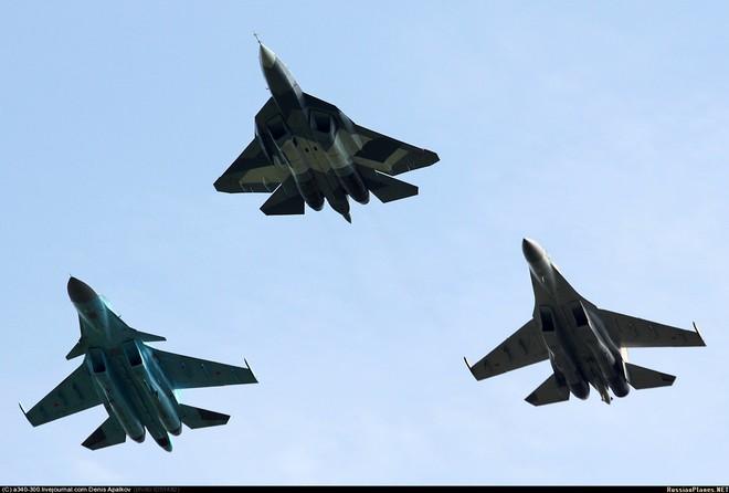 Đi cùng tiêm kích Su-57 Nga sang Syria là một lực lượng đặc biệt hùng hậu? - Ảnh 3.