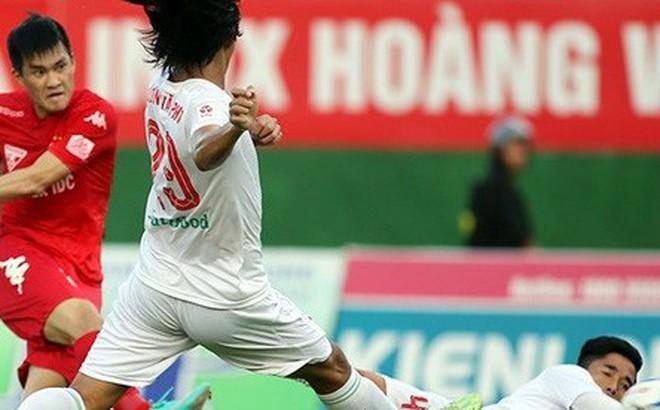V.League 2018: 'Đám trẻ nhà bầu Đức' chưa đủ trưởng thành để mơ vô địch